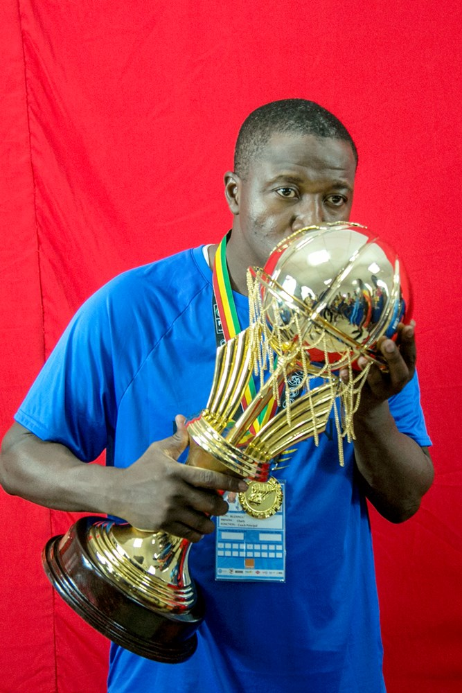 Coach Charly Buzangu Kashala